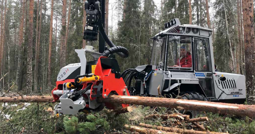 Test with Nisula 325H harvester head outside Vindeln, Sweden, in November 2019.